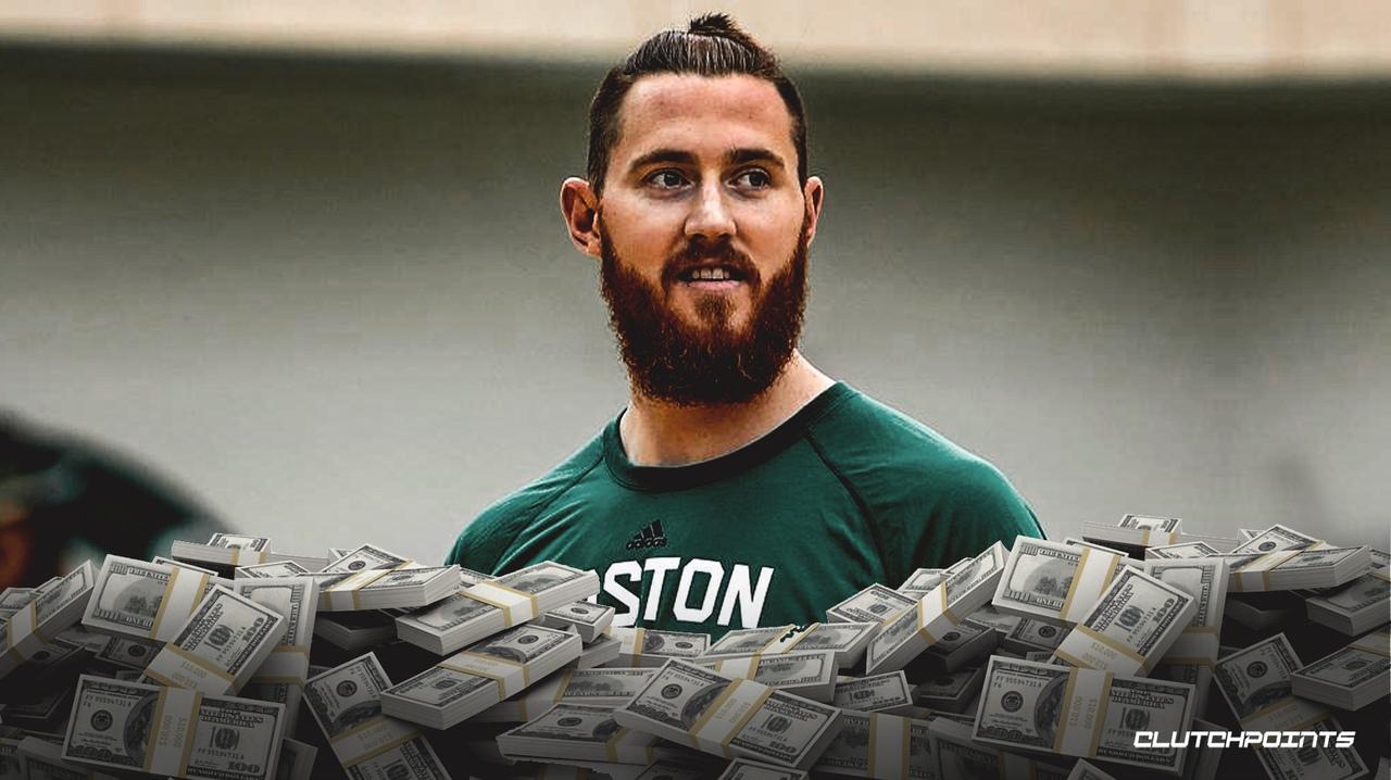 «Бостон» пытается обменять контракт Арона Бэйнса