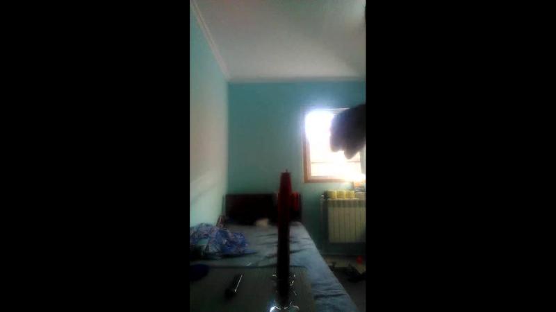 Свеча горела на столе