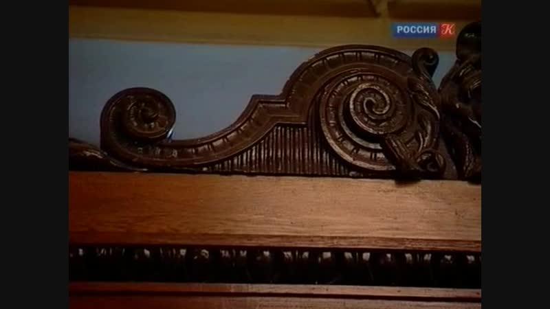 Krasujsja.grad.Petrov.(11.film.iz.12).A.Pel.2011.XviD.SATRip_OLARRI-qsdyg