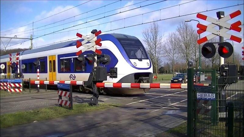 Spoorwegovergang Heeze Dutch railroad crossing
