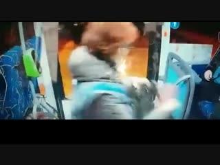 Бил что есть дури женщину-контролера и пассажира нокаутировали в автобусе под Москвой