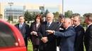 Лукашенко показали белорусские ратраки лыжероллеры и пианино