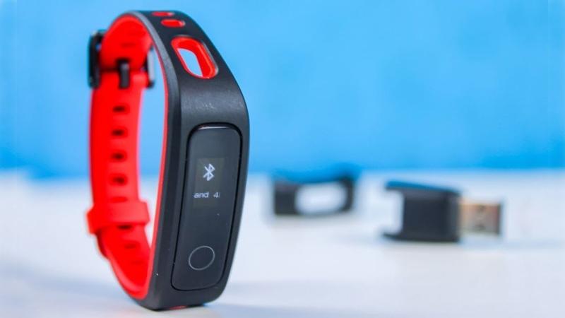 Недорогой фитнес браслет Huawei Honor Band 4 Running Edition на что способен малыш