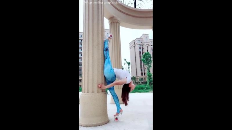 SLs 軟体 leg oversplits contortion -leg behind head