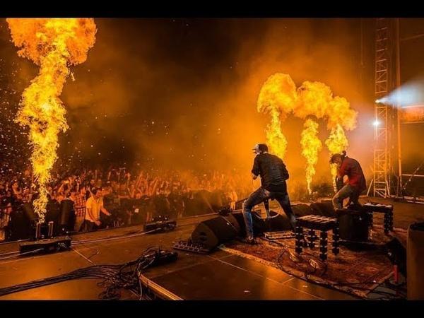 2CELLOS - Thunderstruck LIVE