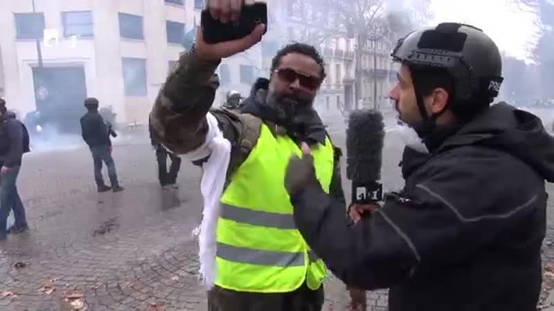 Guerre à Paris - Krieg in Paris - War in Paris - 451 Grad