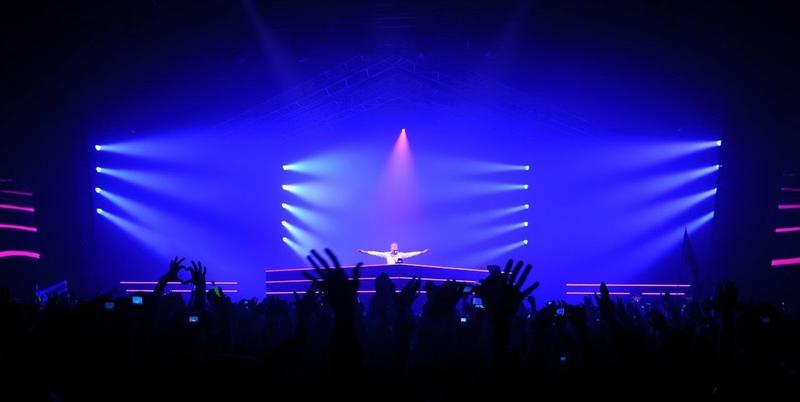 Armin Only Intense Warm Up Set from Kiev Ukraine 28 12 2013