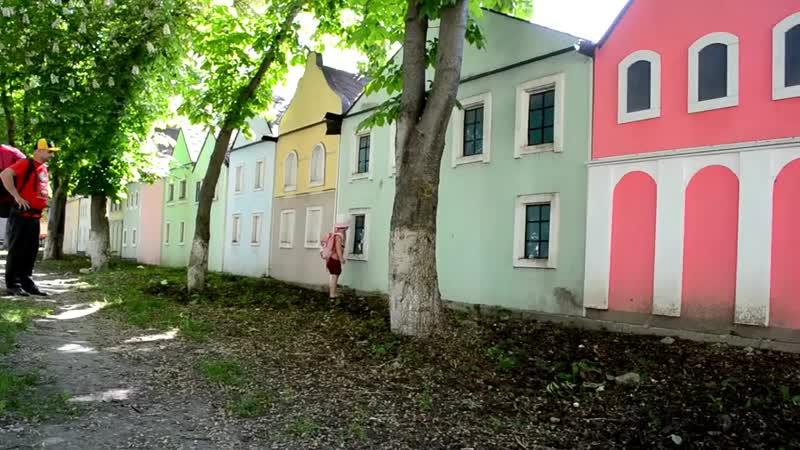 Каменец-Подольский VLOG день_1 дорога к замку, парк, детские площадки. Стася плачет хочет купаться