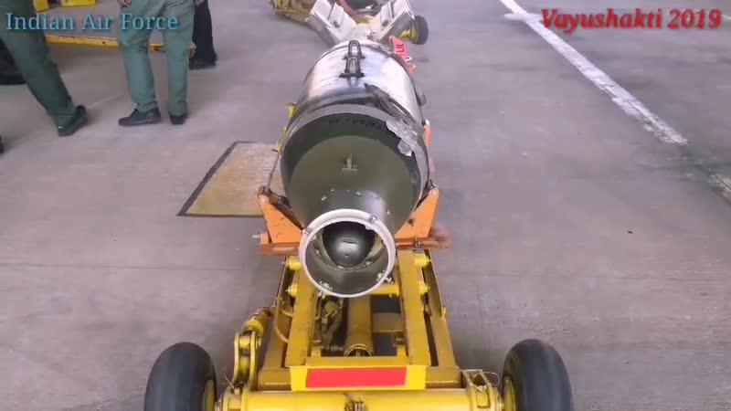 Применение истребителем Су-30МКИ корректируемых бомб с лазерным наведением