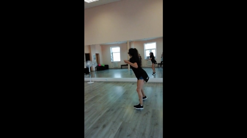 Leni LovaShape of you danceReggaeton