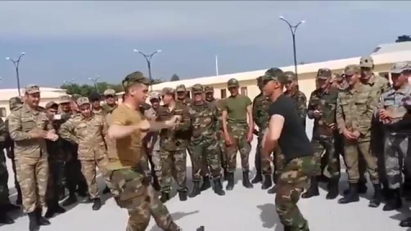 Esgerlerimizden mukemmel reqs AZERBAYCAN ESGERI.mp4