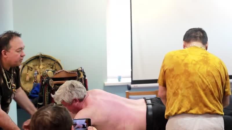 Тувинский шаман Лазо Монгуш и Юрий Чекчурин НЛП практик в Москве