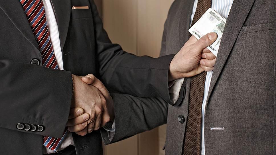В Прикубанском районе адвокат хотел «развести» клиента на деньги