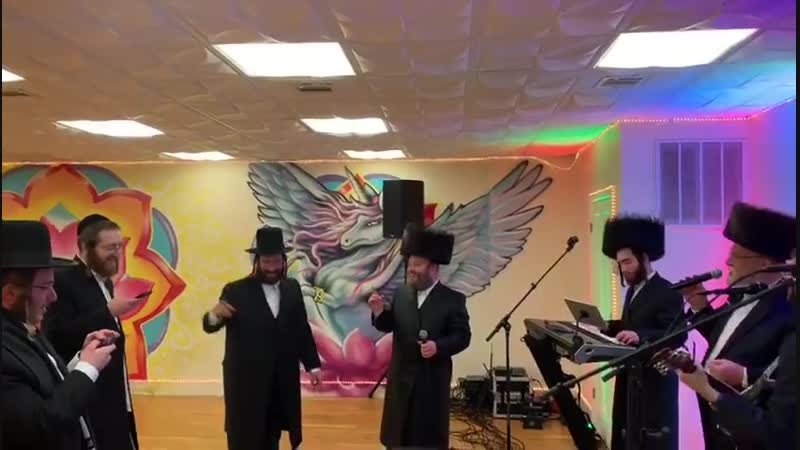 Michoel Schnitzler sings carlebach songs with dovy meisels מיכאל שניצלער עם דובי מייזלס-קרליבך