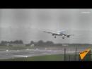 Самолет совершил суперсложную посадку во время шторма в Бристоле