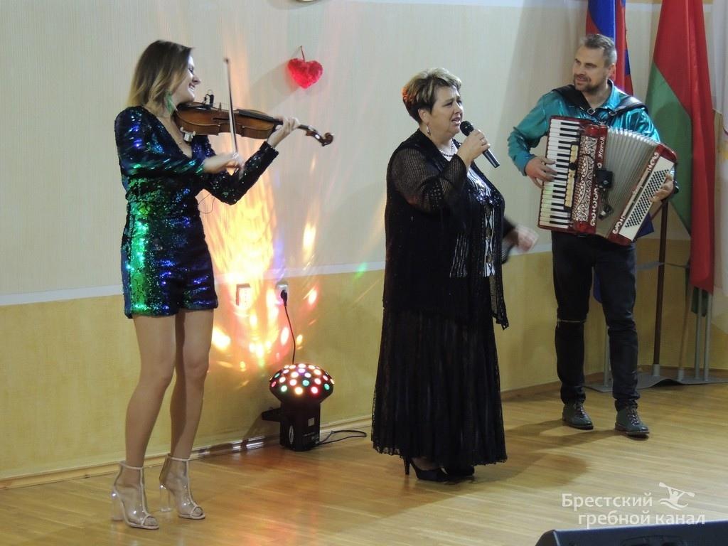 Концерт ко дню матери на гребном канале – вновь аншлаг!
