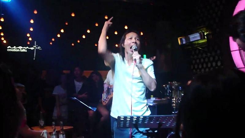 We will rock you - chú Ký @ Acoustic bar (Saigon)