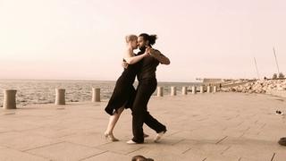 Tango to