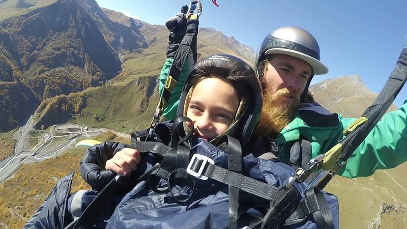 14102018 1 gudauri paragliding полет гудаури بالمظلات، جورجيا بالمظلات gudauriparagliding com