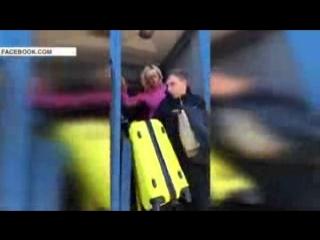 В Украине начальник поезда на ходу выпнула пассажира