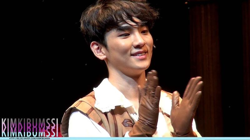 [HD fancam] 140103 Musical The Three Musketeers Curtain call - SHINee KEY