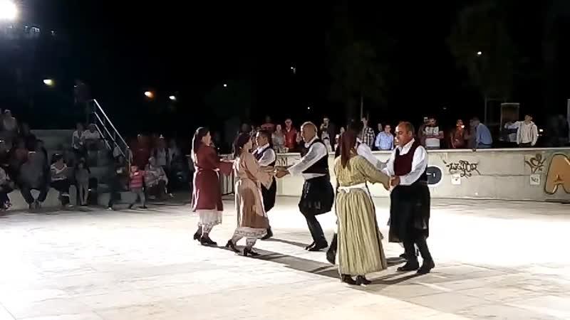 Кипрский народный танец под песню Τηλλυρκώτισσα