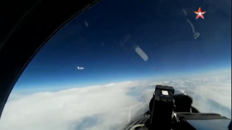 Су-27 перехватил самолет-разведчик ВВС Швеции над Балтикой