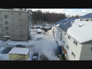 Снег с крыши здания рынка «Престиж» обрушился на женщину
