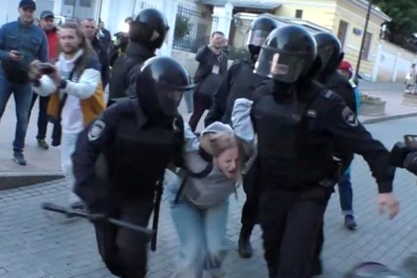 Десятки избитых, тысяча задержанных на митинге за свободные выборы в Москве
