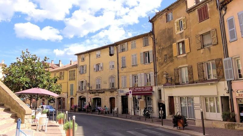 One day in Fayence ( meeting Mr. Bernard Arnault), France, Provence [4K] (videoturysta.eu)