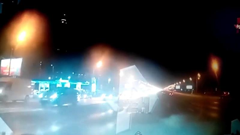 Смертельное ДТП в Москве.Лоб в лоб столкнулись Майбахи такси .Погиб 1 человек