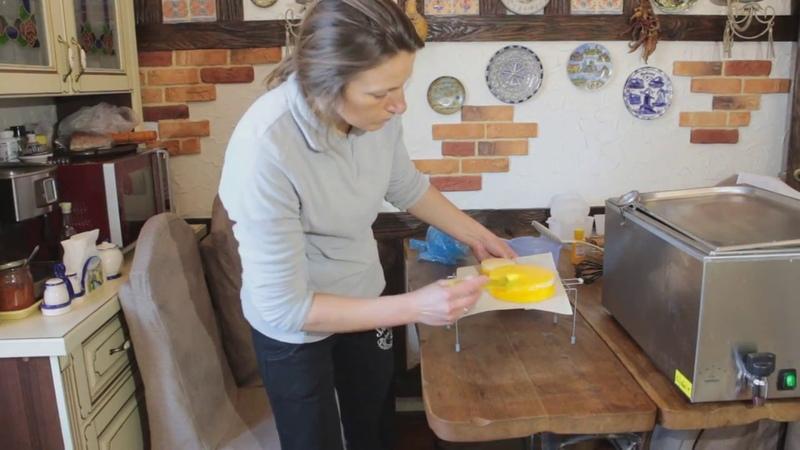 Как покрыть домашний сыр латексом
