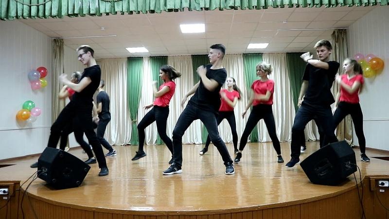 Танец парни/девушки. СШ№14 г. БРЕСТ ДЕНЬ УЧИТЕЛЯ/ДЕНЬ МАТЕРИ 2018