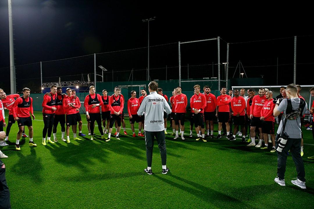 Олег Кононов: Мне приятно работать с футболистами, которые умеют играть на двух-трех позициях
