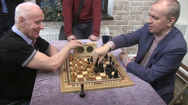Chess Video Plus - Crestbook (Amateur E.Potemkin - GM S.Shipov)