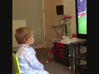 This little lads celebration when rangers fc scored against celtic fc is absolutely brilliant