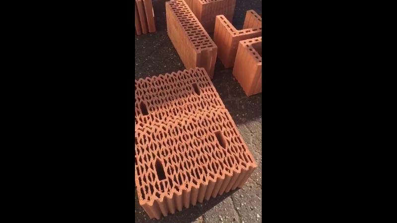 На склад компании Русский Дом Керамики приехал убийца керамических блоков других производителей Керакам Кайман 38. » Freewka.com - Смотреть онлайн в хорощем качестве