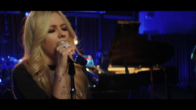 """Avril Lavigne """"Head Above Water""""(Live from Honda Stage at Henson Recording Stud"""