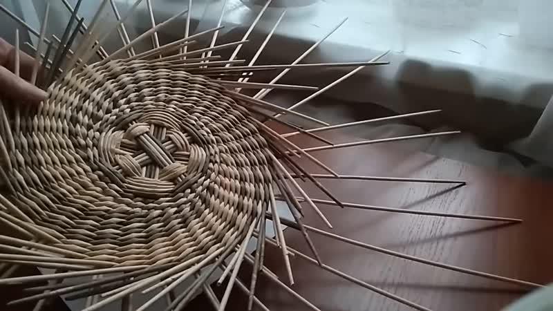 Красивое панно _ спиральное послойное плетение_из газетных трубочек