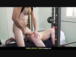 Гей секс порно волосатый мужик трахает парня твинка большим хуем и кончает в жопу gay porn big dick  hairy men
