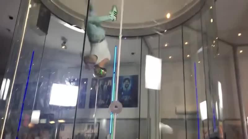 Летающий Фредди Меркьюри