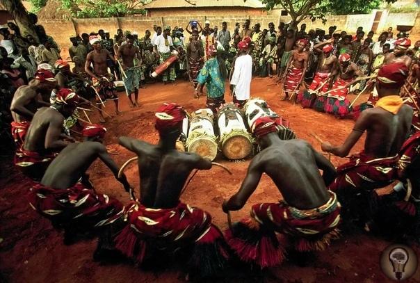 ТОП-3 мистических традиций Ямайки Ямайка - это остров, пропитанный фольклором, магией и духовностью, обычаями и ритуалами, многие из которых имеют религиозное происхождение. Путеводители по