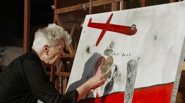The Art of David Lynch «Я не знаю, что делать с цветом. Цвет для меня слишком «настоящий». Он ограничивает. Он не позволяет мечтать. Чем больше добавляешь черного в цвет, тем более визионерским