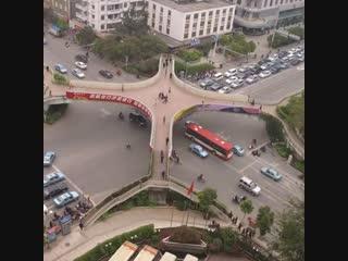Самые удивительные пешеходные мосты