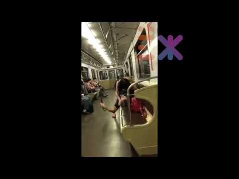Ебуны в метро против деда