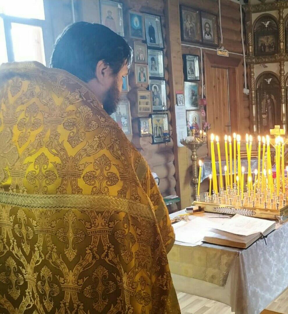Панихида в храме Покрова Пресвятой Богородицы.