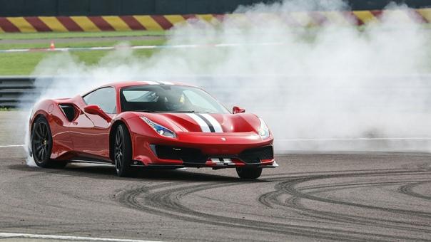 Ferrari оказался дороже, чем McDonalds и Coca-Cola Производитель итальянских спорткаров Ferrari стал самым ценным брендом в мире по версии Brand Finance, получив это звание впервые с 2014