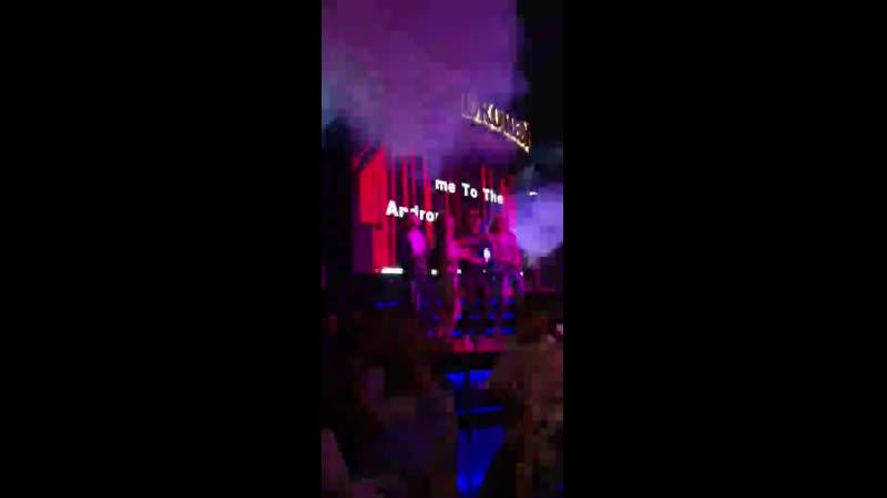 Одним из популярных мест на улице Street баров в Мармарисе является ночной клуб Андромеда