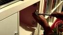 Установка дверцы в стеллаж от ИКЕА без шуруповерта. Желательно шурупы сажать на эпоксидный клей.