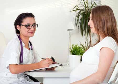 Через восемь недель беременности при ЭКО лечат аналогично нормальной беременности.